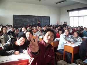 anak belajar di kelas