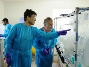 ilmuwan ebola
