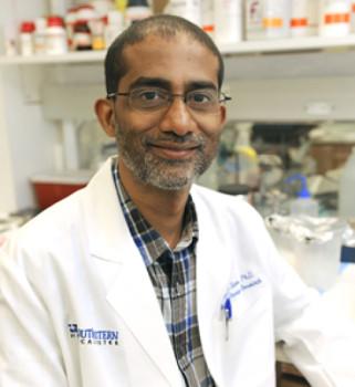 Dr. Sandeep Burma, salah Association Professor or Radiation Oncology di bidang Molecular Radiation Biology, UT Southwestern. (Credit: UT Southwestern Medical Center)
