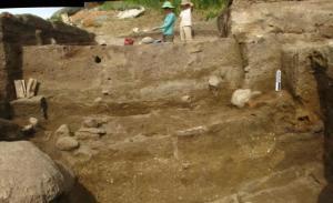 lokasi penggalian di dataran tinggi Kazakhstan