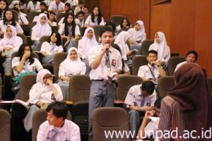 UNPAD, SMAN 4 Tangerang Selatan