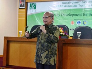 Prof. Dr. Emil Salim