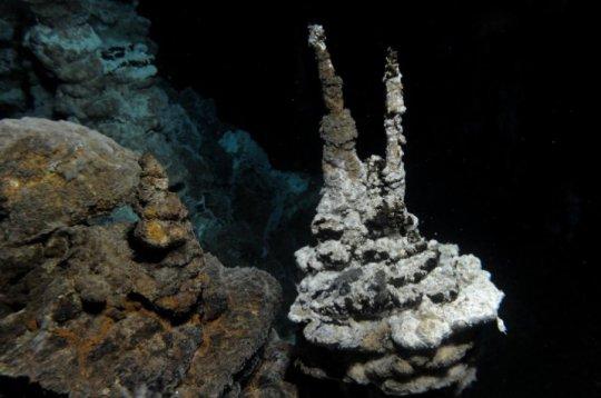 ventilasi hidrotermal