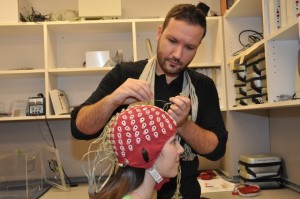 EEG, gangguan visual, memori
